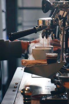 Coffee Latte Art, Coffee Barista, Coffee Cafe, Iced Coffee, Coffee Drinks, Coffee Americano, Coffee Icon, Coffee Logo, Coffee Photos
