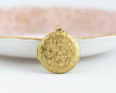 Floral Locket Necklace, Gold Locket Picture, Long Locket Necklace, Wedding Locket Gold, Photo Locket, Long Necklace Gold, Vintage