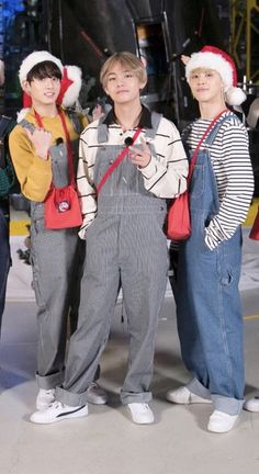 Why is chimmy looking tall huh ? Still reminds of some girls I knoe. Bts Taehyung, Jungkook Jimin, Bts Bangtan Boy, Bts Lockscreen, Foto Bts, Billboard Music Awards, K Pop, J Hope Dance, Bts Group Photos