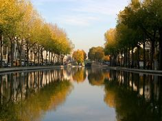 Photo Fotolia Le Canal Saint-Martin.