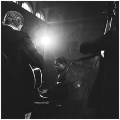 May Herb Ellis & Oscar Peterson during a concert at the Concertgebouw in Amsterdam. Jazz Artists, Jazz Musicians, Great Memories, Oscars, Music Is Life, Amsterdam, Blues, Herb, Masters