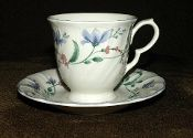 Nikko Floriana Blossomtime Cup Saucer Sets Contemporary Teapots, Coffee Service, Nikko, Cup And Saucer Set, Dinnerware, Tea Pots, Pottery, Japan, Crystals