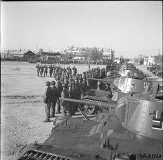 Finnish troops parade in Äänislinna 1942.10.01 Finnish troops captured Petroskoi wich was renamed Äänislinna in 1941.10.01