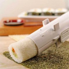 Are you a sushi lover? Want to make sushi easily like a restaurant? Make your dream come true with our sushi bazooka, Get it ASAP at a huge discount offer. Kit Sushi, Sushi Chef, Sushi Sushi, Sushi Diy, Sushi Machine, Dessert Chef, Sushi Rolling Mat, Healthy Sushi, Sushi At Home