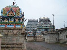 Thyagaraja Temple of Thiruvarur has the largest chariot in Tamil Nadu and also one of the largest temple complex in India. Lord Shiva worshiped as Moolanathar and the temple host one of the largest annual chariot festival in India.
