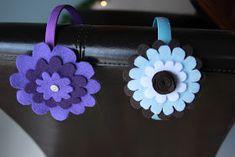 Little Things Bring Smiles: Layered felt flowers Felt Flowers, Diy Flowers, Fabric Flowers, Paper Flowers, Crafts To Make, Fun Crafts, Arts And Crafts, Felt Headband, Flower Headbands