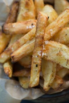 Sprøde hjemmelavede pommes frites i ovn Food N, Good Food, Food And Drink, Yummy Food, Indian Food Recipes, Vegetarian Recipes, Ethnic Recipes, Food Goals, Recipes From Heaven
