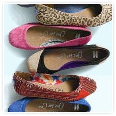 Ballet Flats from Toms! (whiteapricot.com, eco & socially conscious fashion)