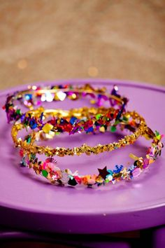 Learn how to make your own confetti crown for your New Years party guest!