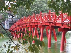 Huc Bridge, Hoan Keim Lake, Hanoi, Vietnam