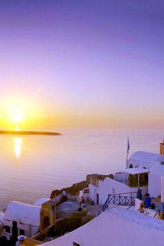 Sunset time in Oia, Santorini Santorini Island, Santorini Greece, Mykonos, Beautiful Sunrise, Beautiful Places In The World, Greek Islands, Greece Travel, Wonders Of The World, Adventure Travel