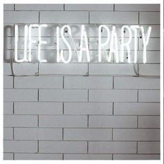 Neon Signs are useful for any business or home. Here you will find 5 different ways to use neon signage. Words Quotes, Wise Words, Sayings, Time Quotes, Night Quotes, Neon Words, Party Quotes, Frases Tumblr, Partying Hard