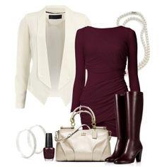 С чем носить бордовые сапоги: бордовые платье, белый пиджак и белая сумка