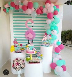 Love the colors for this pretty flamingo party! Pink Flamingo Party, Flamingo Birthday, Birthday Balloons, Balloon Decorations, Birthday Party Decorations, Party Themes, Birthday Parties, Ideas Party, Luau Party