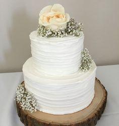 rustic wedding theme @somethingsweetjc Cozy Wedding, Our Wedding Day, Rustic Wedding, Boys 1st Birthday Cake, 60th Birthday Cakes, Amazing Wedding Cakes, Amazing Cakes, Plain Wedding Dress, Quince Cakes