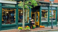 Incorporate some festive holiday fun into your business with these Halloween marketing ideas. http://smallbiztrends.com/2015/10/halloween-marketing-ideas.html#utm_sguid=168160,d468c1f6-7006-709c-afff-ab562f904f3d