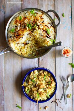 Jackfruit Biryani is a summer vegetable biryani for both vegetarians and meat eaters alike. Flavorful and aromatic, this biryani is a labor of love Veggie Recipes, Indian Food Recipes, Vegetarian Recipes, Ethnic Recipes, Rice Recipes, Curry Dishes, Rice Dishes, Veggie Dishes, Vegetable Biryani Recipe
