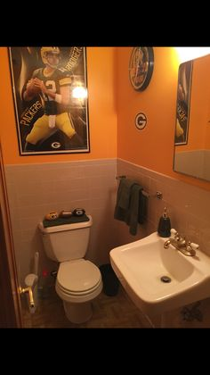 2 Women And A Paintbrush Located In Upstate Ny Created This Green Bay Packers Bathroom