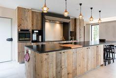 Landhuis Bella Rosa: Fotoboek Interior Design Kitchen, Cabinet Doors, Home Kitchens, Kitchen Remodel, Sweet Home, Rustic Homes, Kitchen Small, House, Industrial