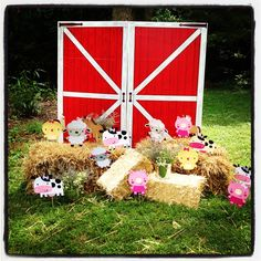 Barnyard party decorations!