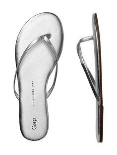 leather flip flops / gap