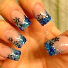 Beautiful nail art designs that are just too cute to resist. It's time to try out something new with your nail art. Snowflake Nail Design, Snowflake Nails, Christmas Nail Art Designs, Winter Nail Designs, Cute Nail Designs, Acrylic Nail Designs, Snowflakes, Xmas Nails, Holiday Nails