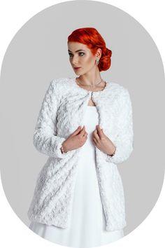 Wintermantel für die Braut / Felljacke aus Kunstfell zum Brautkleid / Warme Brautjacke für den Winter / Winterjacke für die Braut