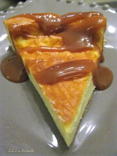 Lolo mascarpone flan and its Tambouille – Typical Miracle Thermomix Desserts, Flaky Pastry, Plated Desserts, Macaroons, Gourmet Recipes, Gourmet Foods, Food Inspiration, Creme, Sweet Tooth