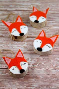 This is a fantastic wooden fox craft. visit the tutorial and read how to make these fantastic wooden christmas decorations Wooden Christmas Crafts, Diy Christmas Gifts For Kids, Snowman Christmas Decorations, Christmas Crafts For Kids, Holiday Crafts, Christmas Ideas, Xmas, Fox Crafts, Felt Crafts Diy