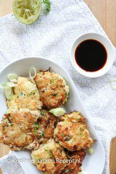 visburgertjes met limoen en bosui Pureed Food Recipes, Veggie Recipes, Fish Recipes, Low Carb Recipes, Cooking Recipes, Healthy Recipes, Ketogenic Recipes, Savory Snacks, Healthy Snacks