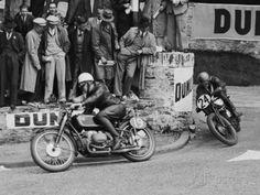 Isle of Man TT Race Photographic Print Bmw Classic Cars, Classic Car Show, Cafe Racer Build, Harley Davidson News, Courses, Motogp, Wall Art, Men's Jackets, Alfa Romeo