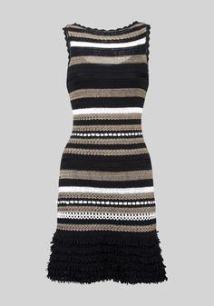 Crochet dress ♪ ♪ ... #inspiration_crochet #diy GB http://www.pinterest.com/gigibrazil/boards/