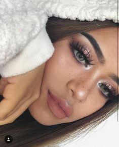 Makeup - Make-up - Maquillage - Maquiagem Makeup 2018, Prom Makeup, Cute Makeup, Gorgeous Makeup, Pretty Makeup, Makeup Goals, Makeup Inspo, Makeup Tips, Beauty Makeup