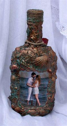 Декупаж свадебной бутылки Из глубины моря. Работа представлена для примера. Изготавливалась в качестве подарка на свадьбу молодоженам, использовалась фотография будущих новобрачных с посылом открыть...