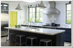kitchen with no uppers willow decor_thumb[2]