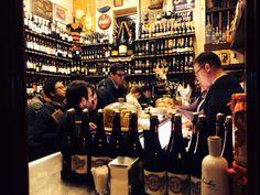Quimet, uno de los mejores sitios en Barcelona para hacer el vermut. #quimet, #paralelo_de_moda, #vermut, #barcelona, #justlovebarcelona, #wine, #vermouth, #mediterranean, #discover_barcelona