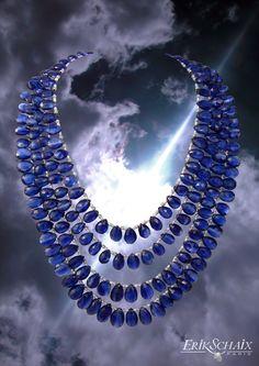 Sapphires or Tanzanites tres Joli.