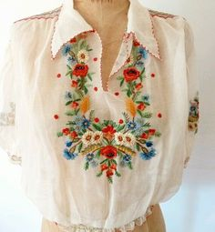 Plus Size Fashion hand embroidered top. 1930s Fashion, Boho Fashion, Vintage Fashion, Vintage Outfits, Hungarian Embroidery, Hand Embroidery, Look Boho, Embroidered Clothes, Embroidered Blouse