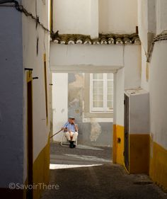 Watching the world go by in Evora, Alentejo Region Via Savoir There  #Portugal
