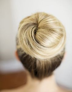 10. How could we move on to the perfect wedding blowouts before sharing a favorite bridal topknot. Go ahead and complete your elegant, classy bridal look with this tutorial here.