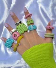Funky rings- handmade Fimo Ring, Polymer Clay Ring, Clay Art Projects, Clay Crafts, Funky Jewelry, Cute Jewelry, Baby Jewelry, Diy Clay Rings, Cute Clay