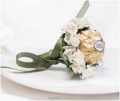 Ferrero Rocher is a top candy choice for Chinese weddings. (Sina Weibo/Ferrero Rocher)