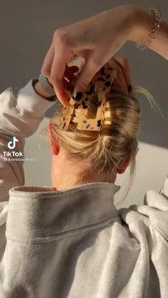Clip Hairstyles, Easy Hairstyles For Long Hair, Cabelo Inspo, Hair Upstyles, Aesthetic Hair, Hair Videos, Hair Looks, Hair Inspiration, Hair Clips