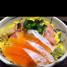 3 colors bowl at Sushi shop. Salmon,Tuna& crab.