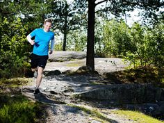 Juoksu on kiireisen kuntoilijan kuningaslaji, kun päivän liikunnat voi kuitata jo reippaalla puolen tunnin lenkillä. Juoksuasiantuntijan lempeällä, mutta...