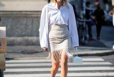 Sezon trendleri geleneksele dönüyor. El işi tasarımlar sezon trendleri arasında öne çıkıyor. Gardırobu doldururken el işi tasarımlar seçmenin tam zamanı. #elişi #elişielbise #elişikıyafet Waist Skirt, High Waisted Skirt, Jil Sander, Missoni, Marc Jacobs, Valentino, Couture, Skirts, Fashion