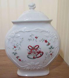Pfaltzgraff Winterberry Cookie Jar   Made in the USA #Pfaltzgraff