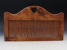 Båndvev med utskåret hjerte, 1800 t. L: 31,5 cm. Prisantydning: ( 800 - 1200) Solgt for: 500