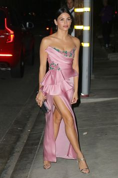 Jenna Dewan goes strapless at the Baby2Baby Gala in California