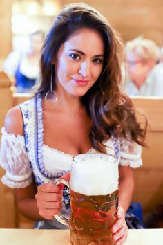 Oktoberfest in Munich - Dirndl. Munich Oktoberfest, German Oktoberfest, Cerveza Paulaner, Octoberfest Girls, Octoberfest Costume, Oktoberfest Hairstyle, Beer Maid, Beer Girl, German Girls